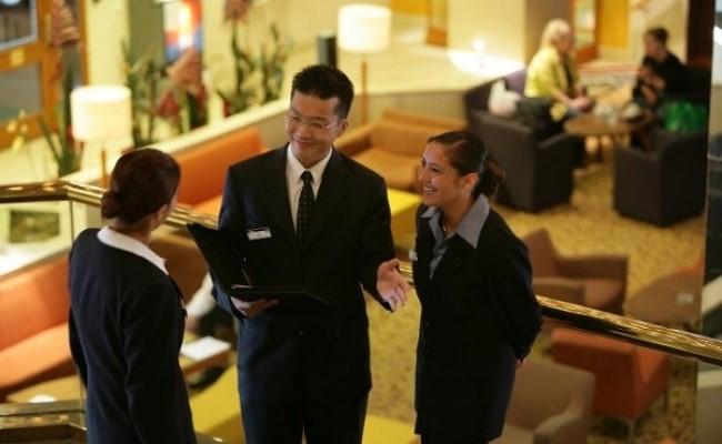 ngành nhà hàng khách sạn