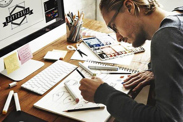 Họa sĩ, thiết kế là những công việc phù hợp với người hướng nội
