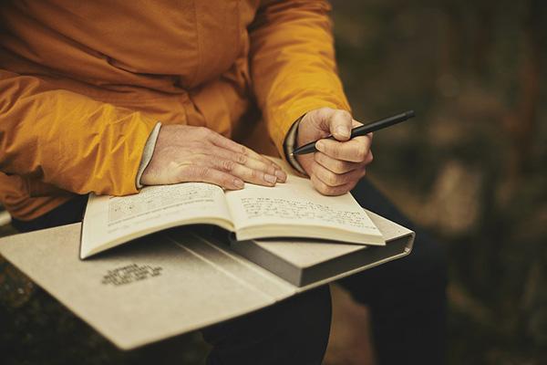 việc cho người hướng nội, bạn không nên bỏ qua viết lách